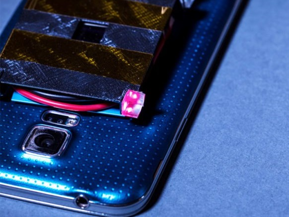wireless-laser-charging-cell-phone-3